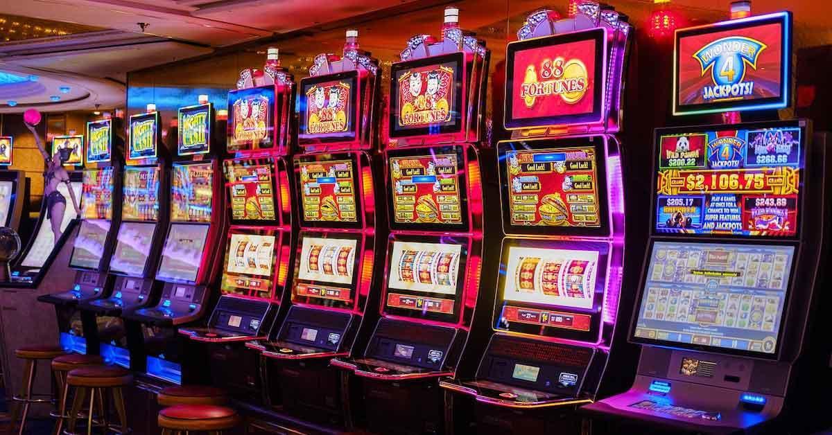 hotels near resorts world casino Slot